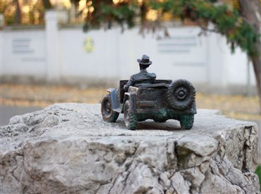 Mini-sculpture of artist Havrylo Hliuk in city Uzhhorod
